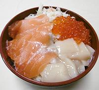 海鮮三品ハーフ丼
